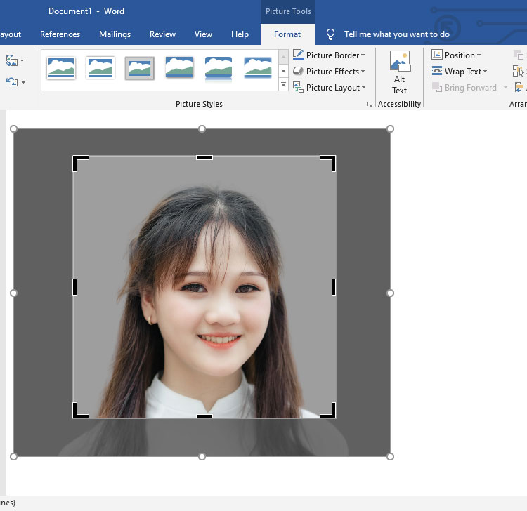 Crop 1x1 picture in Microsoft Word
